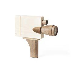 Caméra vidéo Taille : 18.4 cm x 18.1cm x 4.2cm Poids : 366 g Caméra en bois…