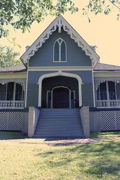 Downing's Architecture of Country Houses. Now open as a house museum operated by the Mississippi Dept.us/museum/manship/index. Beautiful Homes, Beautiful Places, Delta Girl, Victorian Houses, Country Girls, Small Towns, Old Houses, Mississippi, Ms