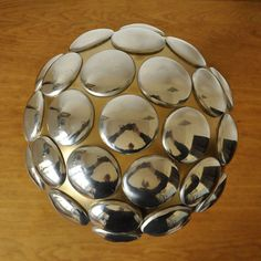 Trophy - made of aluminium cans and aluminium spoons and forks Forks, Decorative Objects, Spoons, Canning, Bobby Pins, Spoon, Conservation