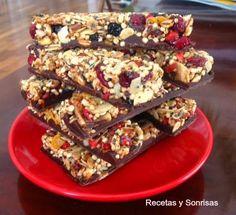 barritas de cereales; cereales; recetas sanas; chocolate; meriendas; energía; salud; recetas y sonrisas ; templar chocolate; frutas liofilizadas; frutas desecadas; quinoa; cereales; #barritasenergeticas #recetadebarritas #chocolate #barritas #energia #cereales #quinoa #templar #templarchocolate #salud #fitnes #recetassaludables #frutasdesecadas #frutasliofilizadas.
