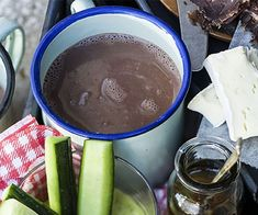 This banting Cocoa is very easy to make. Who said you couldn& have a delicious hot drink when banting? Banting Diet, Banting Recipes, Lchf, Low Carb Drinks, Vegetarian Chocolate, Weight Watchers Meals, Different Recipes, Free Food, Real Food Recipes