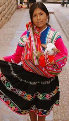 Crafty girl, Cuzco, Peru