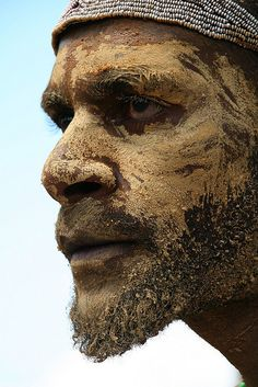 Warrior face by Yilud on Flickr. Papua New Guinea