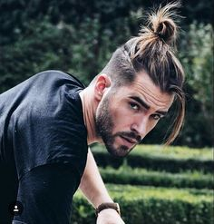 So gear up with some crazy ideas this time as mens undercut hairstyles with beard is going to be one of the trends setting ideas around you. hair styles for men 40 Crazy Mens Undercut Hairstyles with Beard Popular Beard Styles, Beard Styles For Men, Hair And Beard Styles, Short Hair Styles, Man Bun Hairstyles, Crazy Hairstyles, Asian Hairstyles, Baddie Hairstyles, American Hairstyles