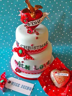 Image detail for -Two tiers Christmas cake decor ideas with big heart cake topper with a . Christmas Cakes Pictures, Christmas Cake Decorations, Christmas Ideas, Big Cakes, Cute Cakes, Beautiful Cakes, Amazing Cakes, Cake Cookies, Cupcake Cakes