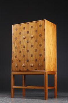 Tove and Edvard Kindt-Larsen, Cuban mahogany with circular rosewood/palisander inlay, 1946