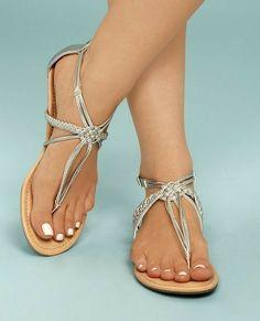 Beautiful Sandals, Gorgeous Feet, Feet Show, Foot Toe, Cute Toes, T Strap Sandals, Fitness Fashion, Flats, Girls