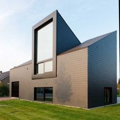Roof Architecture, Contemporary Architecture, Architecture Details, Smart Home Design, Modern House Design, Attic Conversion Windows, Door And Window Design, Bungalow Extensions, Mansard Roof