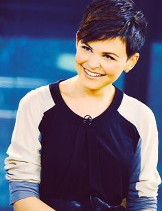 Ginnifer Goodwin dark pixie cut with long side bangs Edgy Haircuts, Pixie Hairstyles, Pixie Haircut, Cool Hairstyles, Pixie Styles, Short Hair Styles, Ginnifer Goodwin, Ginny Goodwin, Short Hair Cuts