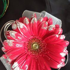 gerbera daisy boutonniere wedding   Glittered gerbera daisy corsage
