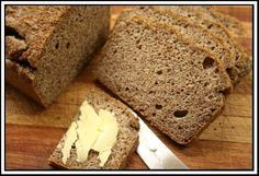 This bread is made from banting-friendly ingredients such as almonds, desiccated coconut and coconut oil. The bread will be ready to eat in 45 minutes, which includes the prep and baking time! 100 g flax or g g desiccated ml bicarb of ml baking ml ml g … Banting Bread, Banting Diet, Banting Recipes, Low Carb Recipes, Cooking Recipes, Diabetic Recipes, Bread Recipes, Bread Alternatives, Cook Up A Storm