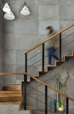 Gallery of The Open House / STUDIO Nishita Kamdar 7 Modern Stairs Gallery House Kamdar Nishita open Studio Black Stair Railing, Black Stairs, Stair Railing Design, Open Stairs, Metal Stairs, Staircase Railings, Floating Stairs, Stairways, Railing Ideas