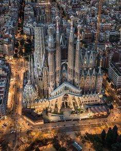 The wonderful Sagrada Familia in Barcelona 😍 Photograph by Sagrada Família The amazing Sagrada Familia in Barcelona 😍 Photo by A photograph posted by HOUSES Places To Travel, Places To Visit, Antoni Gaudi, Barcelona Travel, Visit Barcelona, Barcelona City, Spain Travel, Places Around The World, Wonders Of The World