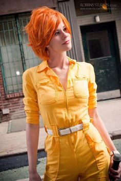 Hot April O'Neil, TMNT cosplay.