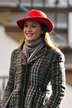 Leighton Meester shooting Gossip Girl in Manhattan    Blair Waldorf a Wardrobe to Envy
