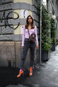 The Best Street Style From Milan Fashion Week Spring 2021 | Vogue Best Street Style, Milan Fashion Week Street Style, Spring Street Style, Milan Fashion Weeks, Cool Street Fashion, Street Style Women, Best Cardigans, Streetwear, Ribbed Knit Dress