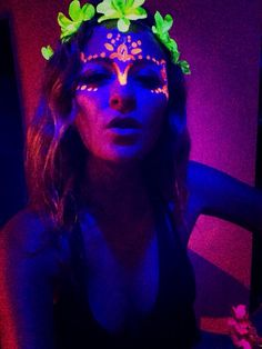 Blackmoon Party- Ritalin & Shrooms, a good combo? - Adventuress, koh phangan Thailand, Southeast Asia, rave, fluro ware, black light, glowing, body paint, face paint, full moon party, raver, psytrance, psychedelic, flower power, flower garland, party girl, beach waves, surfer hair, party     #adventuress #adventuressblog