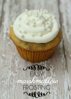 Easy Marshmallow Frosting recipe on { lilluna.com } #frosting