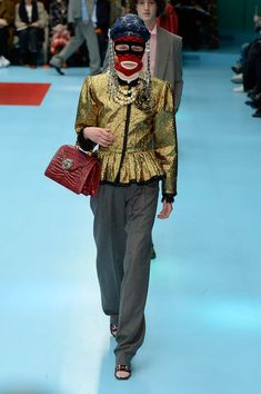 The complete Gucci Fall 2018 Ready-to-Wear fashion show now on Vogue Runway.