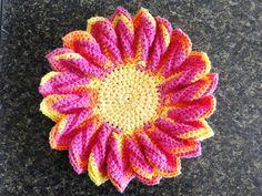 crocheted flower motif ~ free pattern