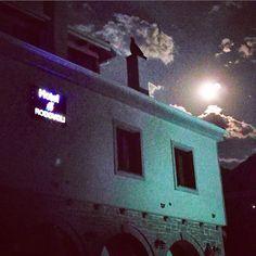 Tonight the moon🌙 is magnificent 👌in Hotel Rodovoli. #hotelrodovoli #hotels #hotel #konitsa #epirus #greece #visitgreece #travel #tourism #night #moon #moonlight #skyphotography #konitsahotels #evening #summernights #zagori #grecia #naturephotography #nature #geopark #unesco #magnificent