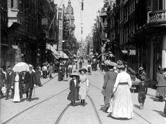 old photos of Amsterdam - Leidsestraat, 1910 Amsterdam Holland, New Amsterdam, Old Pictures, Old Photos, Vintage Photos, Location Bateau, Wanderlust, World Cities, Rotterdam