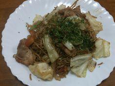 100均で食材がそろってしまう。 野菜もカットしてあるし、肉も小分けでてに入る。\(^^)/