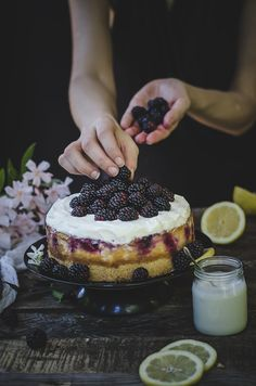 Lemon blackberry cheesecake