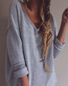 Thick sweater I Messy hair I Perfect Fall #fall #winter #braid #sweater