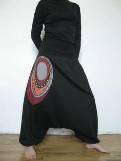 sarouel hublot fini rouge                         escuchar musica gratis                         free music downloads Style Couture, Couture Fashion, Boho Fashion, Womens Fashion, Boho Outfits, Casual Outfits, Fashion Outfits, Harlem Pants, Mode Boho