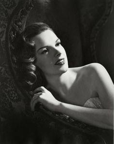 Judy Garland, photo by Eric Carpenter, 1943                              …