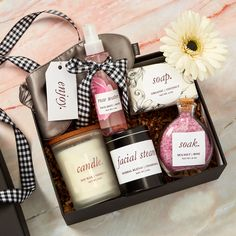 Use Avery labels and our free online design tool to personalize any gift! Client Gifts, Spa Gifts, Printable Designs, Tool Design, Gift Baskets, Personalized Gifts, Herbalism, Unique Gifts, Soap