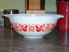 Pyrex Friendship 443 Cinderella Mixing Bowl by thetrendykitchen, $24.99