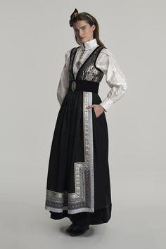 fantasistakk-1699 Dallas Vintage Shop, Vintage Shops, Black Sails, Folk Costume, Character Outfits, Fashion Outfits, Womens Fashion, Traditional Outfits, Clothing Patterns