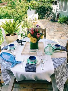 Spring Outdoor Entertaining at my cottage in the Hollywood Hills.  Global travel inspired table decor ideas from my island visit to the Dominican Republic.  #outdoor #decor #entertaining #travel #tabletop #diningtable @targetstyle #targetstyle #sponsored
