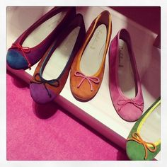 In the mood for colorful Ballerinas ❤️ #prettyballerinas #prettyballerinasbrasil #summer #prettycolors