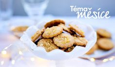 Láká vás klasika v netradičním pojetí a rádi zkoušíte něco nového? Tohle vánoční cukroví je zkrátka jiné! Jeho tajemstvím jsou speciální mouky, superpotraviny, jako jsou maca nebo kakaové boby, a spousta ořechů. V záplavě klasického cukroví jsou zdravější dobroty vítanou změnou, kterou si zamilujete. #recept #peceni #vanoce #zdrave #cukrovi #recipe  #christmas  #bake #healthy Macau, Cereal, Bob, Breakfast, Morning Coffee, Bob Cuts, Corn Flakes, Morning Breakfast, Breakfast Cereal