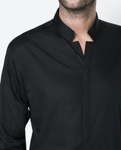 Make heads turn with this Jet Black Mao-Collared Shirt from Zara. More Fashion Trends @ rickysturn/mens-fashion Stylish Shirts, Casual Shirts, Shirts For Men, Men Shirt, Indian Men Fashion, Men's Fashion, Fashion Trends, Fashion Outfits, Collar Designs
