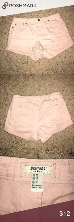 Forever 21 jean shorts Light pink jean shorts with 4 buttons Forever 21 Shorts Jean Shorts