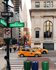 New York Discover Avenue and Street Midtown Manhattan City Aesthetic, Travel Aesthetic, New York City, 5th Avenue New York, Places To Travel, Places To Go, City Vibe, Nyc Life, Dream City