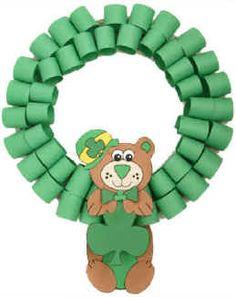 Bear St. Patrick's Day Wreath   (DIY Printable Template)    http://www.dltk-holidays.com/patrick/mbearwreath.htm