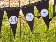 Mr & Mrs banner.... perfect for wedding, engagement or anniversary