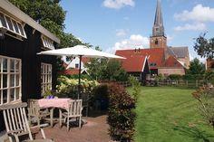 Tiny House: 'The Henhouse' in Geervliet - Guesthouses te Huur in Geervliet Old Lights, Hen House, Holland, Bbq, Air Bnb, Restaurant, Patio, Studio, Outdoor Decor