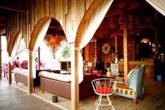 淡路島FBI  ビーチハウスではランチのみも提供されており、キャンプでなくても楽しむ事ができるようになっています。