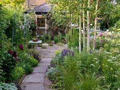 48 Affordable Small Space Gardening Design Ideas is part of Big garden Spaces - Limited space cannot be a reason in not having a garden Not many have vast area to afford large gardens […] Small Back Gardens, Small Courtyard Gardens, Outdoor Gardens, Garden Care, Big Garden, Small Cottage Garden Ideas, Cottage Garden Design, Backyard Cottage, Small North Facing Garden Ideas