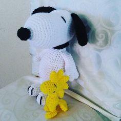 Snoopy and Woodstock! #bestfriends #crochetersofinstagram #crochetaddict #crochet #amigurumi #bestbuds #yellowbird #yarn #yarnaddict #plushtoy #madewithlove #madebyme by awkward.aly