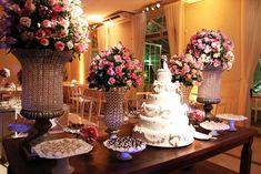 decoração mesa do bolo de casamento