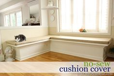 How to make a no-sew cushion cover using the fabric from drapes.--corner built in bench Kitchen Banquette, Banquette Seating, Kitchen Tables, Diy Cushion, Cushion Covers, Seat Covers, Window Seat Cushions, Interior Decorating, Interior Design