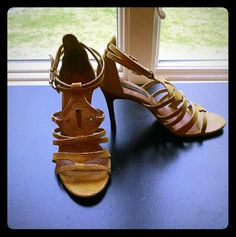 Ann Taylor Heels/Sandals Beautiful yellow heels. Mostly bottom wear from stomping around NYC :) plenty of love left in these beauties. 3.5 inch heel. Ann Taylor Shoes Heels
