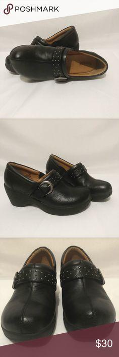 87a4d9d52d6 Bjorndal Women s Black Leather Clogs Size